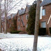 Tudor homes on Northwest bvld., Марбл-Клифф