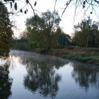 Along the Walhonding River in Mount Vernon, Ohio, Маунт-Вернон