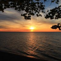 Sunset at Overlook Beach Park, Ментор-он-те-Лейк