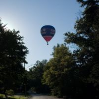 Hot air balloon over W 7thSt. Marysville, OH, looking west., Милфорд