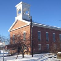 Chesterville Methodist Church, Мораин