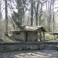 old pool house in the woods Linder Park Norwood,ohio, Норвуд