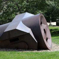 Giant Three-Way Plug by Claes Oldenburg, Оберлин