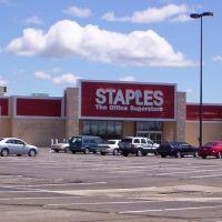 Staples, Онтарио