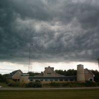 Storm Passes Lake Erie Center, Орегон