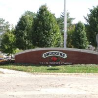 Smuckers plant sign in Orrville, Оррвилл