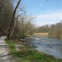 Cuyahoga River and towpath trail, near Peninsula, Cuyahoga Valley National Park, Ohio, Пенинсула