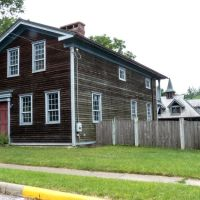 Residence on Akron Peninsula Road, Пенинсула