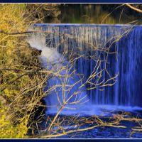 Cedar Cliff Falls in the Fall, Рарден