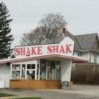 Shake Shak, Тиффин
