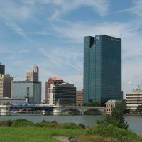 skyline across the Maumee River, Toledo, Ohio, Толидо