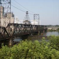 Railroad bridge over Maumee, Toledo, OH, Толидо