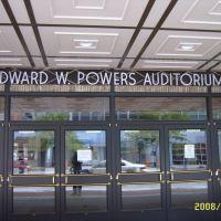 Powers Auditorium, Хаббард