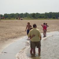 Beachgoers (06-15-09), Харбор-Вью
