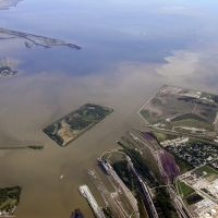 Maumee River, and its sediment, meets Lake Erie, Харбор-Вью