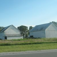 Dual barns on 80 90, Харрод