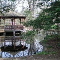Gazebo on Pond, Холланд