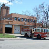 Cincinnati Fire Dept. Engine 2 to responds on an EMS Run, Элмвуд-Плейс