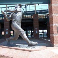 Mickey Mantle Statue, Bricktown Ballpark, OKC, OK, Варр-Акрес