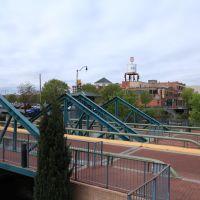 Unusual bridge, Вудлавн-Парк
