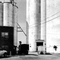 Unloading Grain, Frederick, Oklahoma, Жеронимо