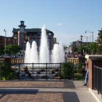 Bricktown Fountain, Лаутон