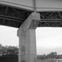 Garrison Ave. Bridge, Моффетт