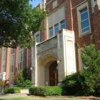 Norman, OK USA - University of Oklahoma, Nielsen Hall - Physics, Astronomy, Норман