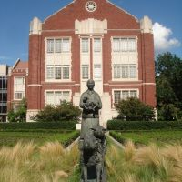 Norman, OK USA - University of Oklahoma - Adams Hall, Норман