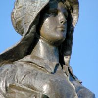 2011, Ponca City, OK, USA - Pioneer Woman monument - detail, Понка-Сити