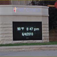 Oklahoma City - Temperatur- and Date-Display, Ти-Виллидж