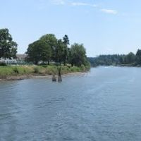 On the Willamette River next to Waverly Country Club, Милуоки
