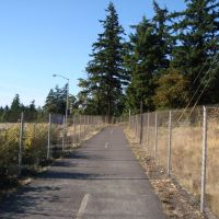North end of possible Gateway Green site, I-205 bike path, just before Maywood Park, Паркрос