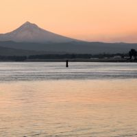Mt. Hood Sunrise across the Columbia River, Паркрос