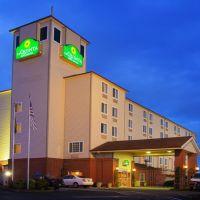 La Quinta Inn & Suites, Airport, Паркрос