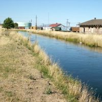 Canal in Redmond Oregon, Редмонд