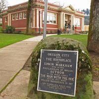 Plaque to Edwin Markham at Oregon City library., Хеппнер