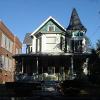 Victorian house on Thomas St in Stroudsburg, Pennsylvania on October 29, 2007, Строудсбург