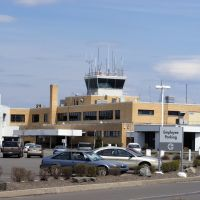 Wilkes-Barre/Acranton International Airport (AVP/KAVP) Control tower and old terminal, Авока