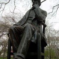 Dickens sculpture, Белмонт