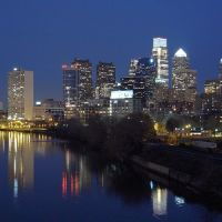 Philadelphia Center City skyline in the evening, looking from South Street Bridge, Белмонт
