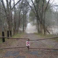 Pennypack Creek floods closed portion of Creek Road - Bryn Athyn, Pennsylvania - December 11, 2003, Брин-Атин