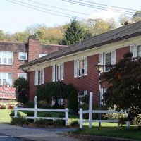 Hershberger-Stover Funeral Home, Crafton, PA, Грин-Три