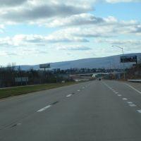Along Roosevelt Highway Scranton, Данмор