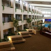 Scranton East Hotel & Convention Center- Hotel Atrium, Данмор