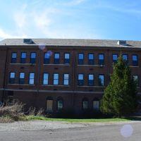 Elementary Classrooms, Дормонт