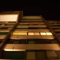 Apartment Building, Дормонт