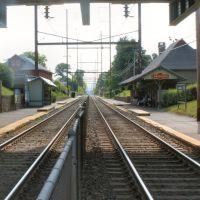 Lansdowne Train Station Looking East, Ист-Лансдаун