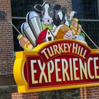 Outdoor sign of the Turkey Hill Experience, Ист-Проспект