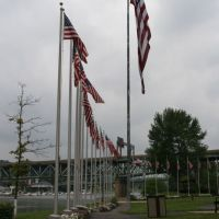 Flag Plaza, Rochester, PA, Ист-Рочестер